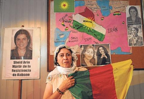 De volta: María Alvarez viveu sua própria experiência no frente. A sua foi uma experiência que incluiu somar seu conhecimento nos campos de refugiados yazidis.