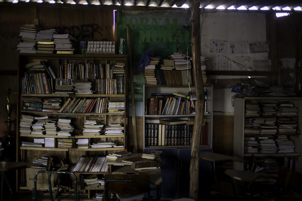 Biblioteca pública do Jardim União. Educando na luta
