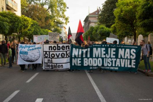 eslovenia-milhares-de-pessoas-va-1